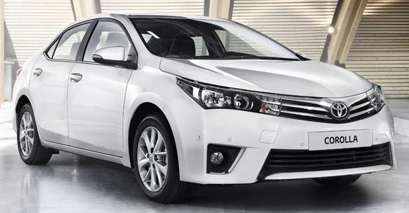 mobil sedan Toyota